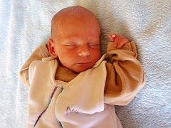 Jonáš Holfeld se narodil 10. srpna 2017 v 16.51 hodin rodičům Veronice Holfeldové a Miroslavu Hanzelovi z Očihova. Vážil 2010 g a měřil 44 cm.