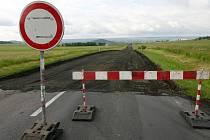 Hlavní tah z Loun do Mostu je dočasně uzavřen
