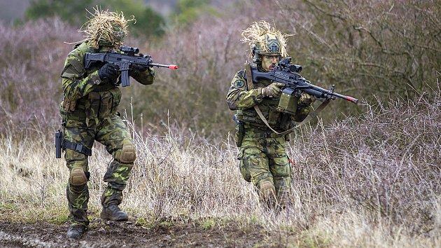 Cvičení vojáků na Doupově