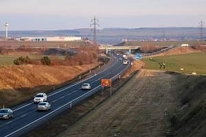Obchvat Loun na hlavní trase mezi Chomutovem a Prahou čeká na zkapacitnění o další dva jízdní pruhy
