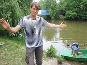 Jan Žalud zve na dobrovolnický přívoz v lounském parku