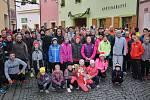 Veřejný štědrodenní běh v Lounech startoval z České ulice