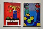 V lounském divadle probíhá výstava obrazů Jiřího Menouška a Aleny Skalické s názvem Svět barev a obrazů.