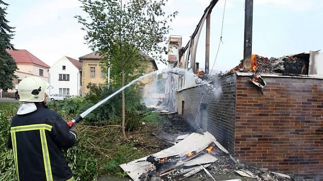 Požár opuštěné jídelny s ubytovnou v Cítolibech u Loun.