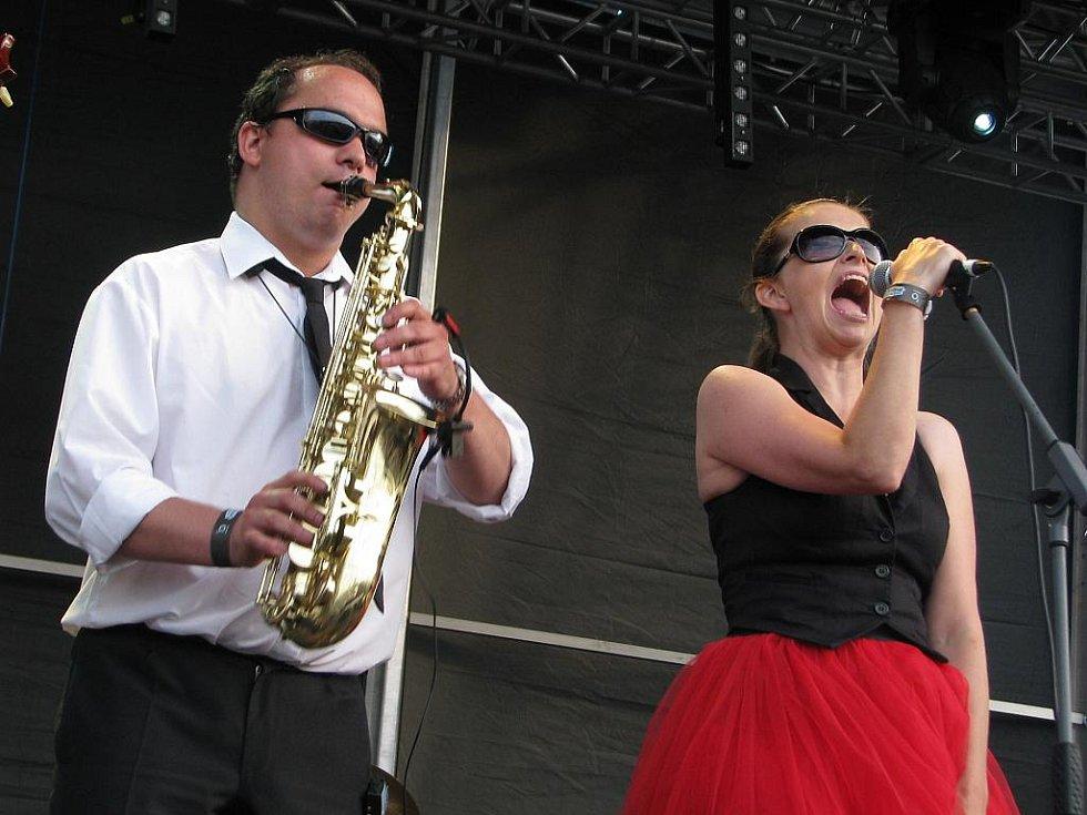 Show kapely Laura a její tygři na festivalu nezklamala.