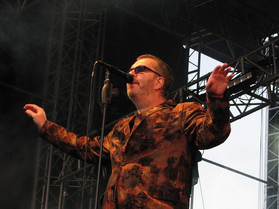 Richard Müller se svou jazz blues rockovou kapelou byl v Týnci za velkou hvězdu.