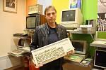V Žatci je nové muzeum starých počítačů. Ukazuje sbírku Pavla Jambora.