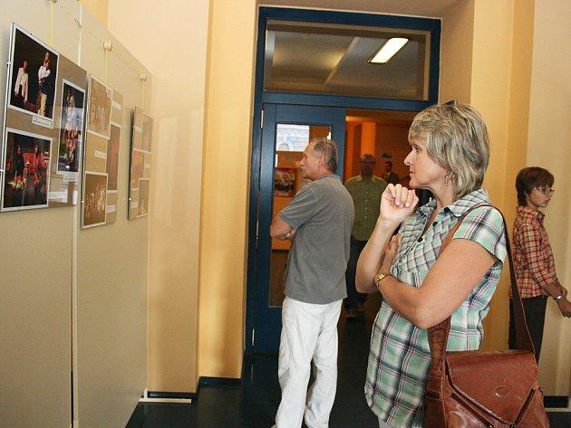 Výstava divadelních fotografií při příležitosti zahájení nové sezony Vrchlického divadla v  Lounech