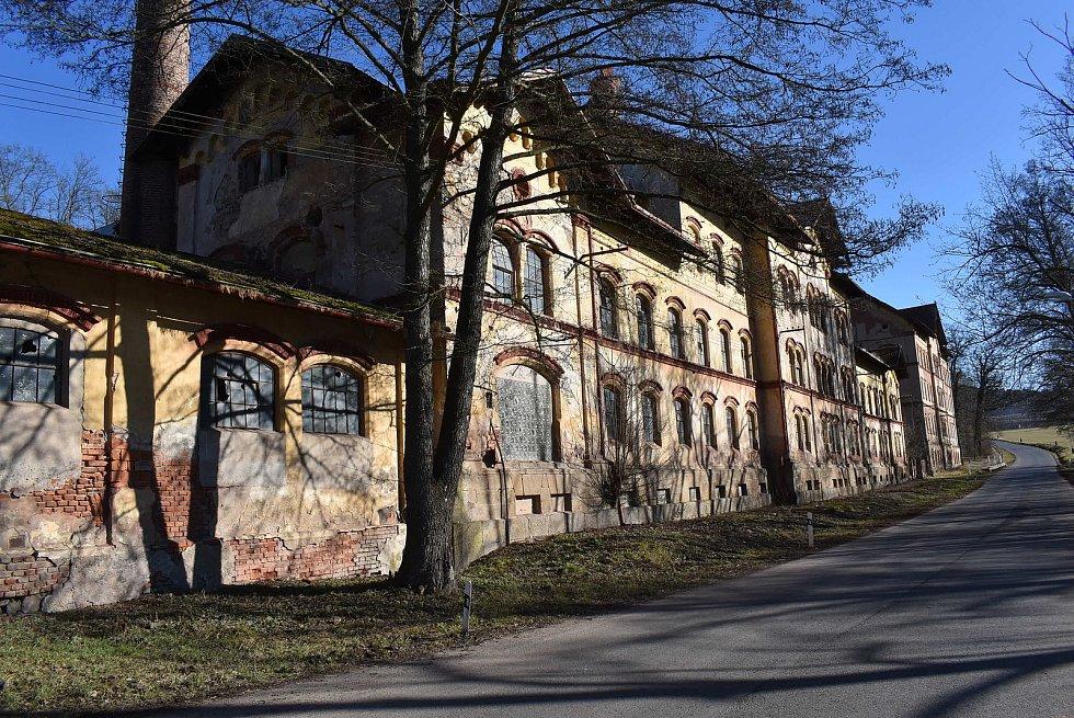 Budovy bývalého pivovaru v Petrohradu chátrají už řadu let.