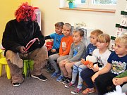 Školu a školku v Cítolibech navštívili čerti, andělé, a také Mikuláš.