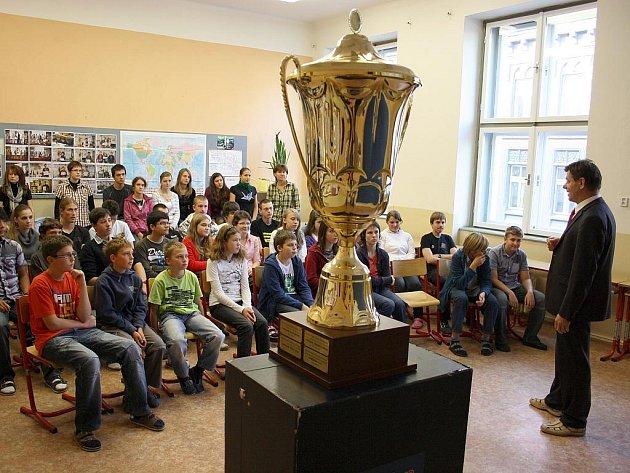 Slavnostní předávání poháru pro vítěze Eurorebusu