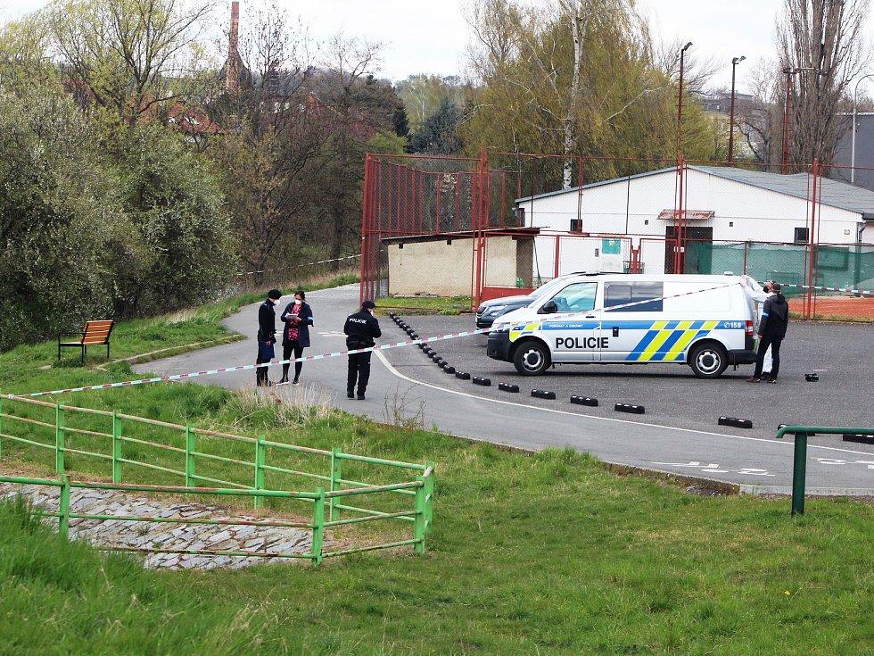 Ve čtvrtek 29. dubna bylo v Žatci u jezu nalezeno mrtvé ženské tělo.