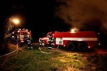Hasiči vyjížděli k požáru stohu u Bezděkova