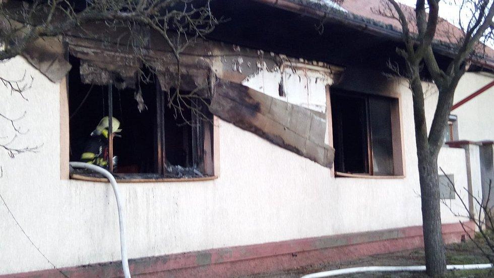 Požár rodinného domu v Břvanech.
