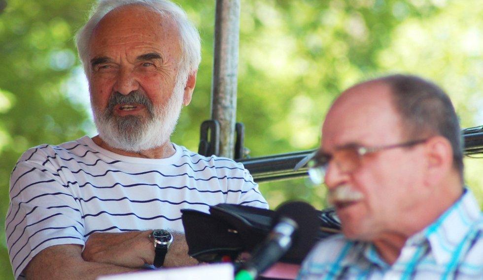 Zdeněk Svěrák s Jaroslavem Uhlířem.