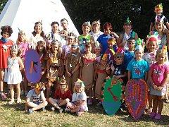 Indiáni na příobecním táboře v Dobroměřicích