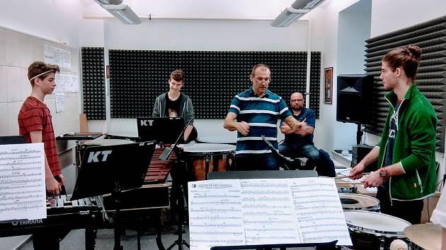Žáci Základní umělecké školy v Lounech si zahrají se Severočeskou filharmonií