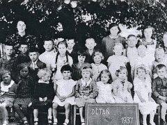 Tentokrát si v seriálu Jak jsme žili představíme vesničku na Podbořansku - Dětaň.