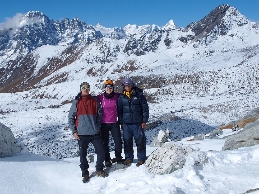 Petra a Štěpán Kotkovi a jejich nepálský průvodce Lak-Pa