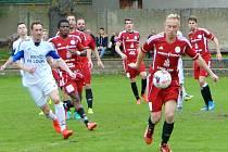 Fotbalisté Loun (v bílém) vyhráli v Proboštově těsně 1:0.