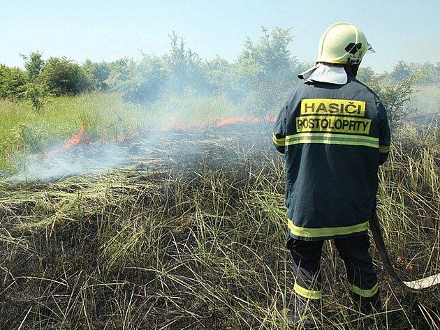Požár porostů v Blažimi