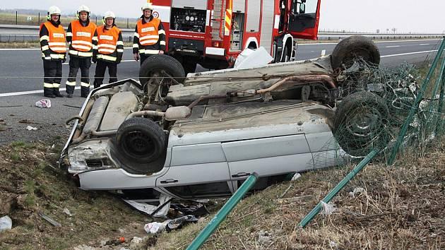 Vážná dopravní nehoda na silnici R7