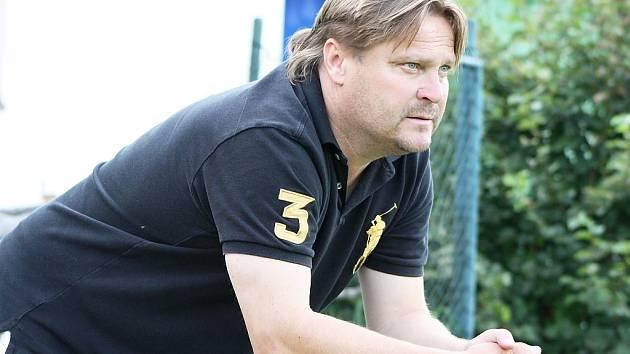 Modelové utkání A a B týmu sehráli fotbalisté žateckého Slavoje těsně před startem divize. Důvod byl jediný, prohlédnout si je přijel nový trenér, exreprezentant Martin Frýdek.