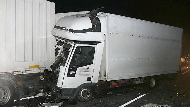 Tragická nehoda na silnici R7