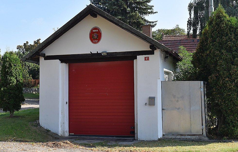 Hasiči jsou v Úhercích aktivní, hasičárny mají vzorně opravené.