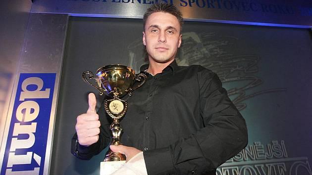 Karatista Jan Tuček se stal vítězem ankety Sportovec roku 2009 okresu Louny.