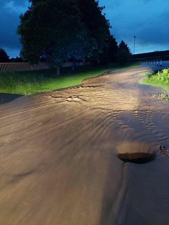 Úterní večerní bouřka na Žatecku