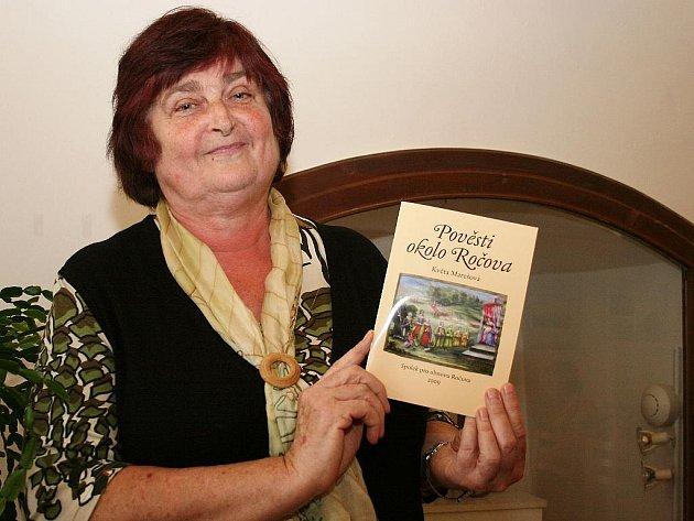 Květa Marešová se pustila do dalšího pátrání po zajímavých příbězích, tentokrát převypráví historii obce v publikaci Pověsti okolo Ročova.