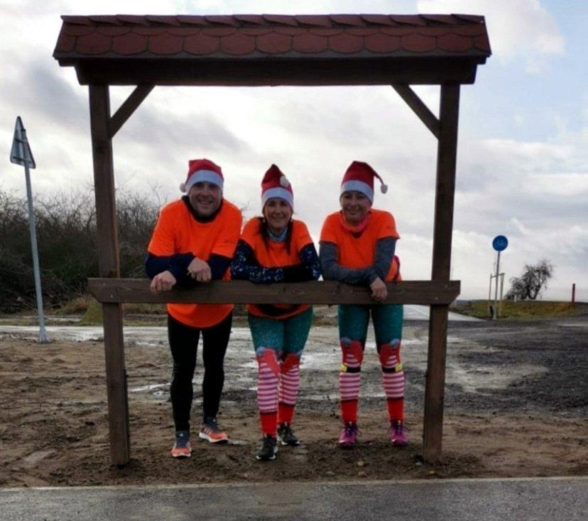 Sportovci ze skupiny Rozběháme Podbořany si užili vánoční běh
