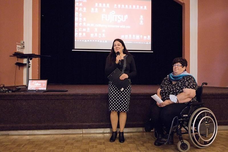 V Národním domě v Podbořanech proběhl v úterý 12. října po dvouleté pauze způsobené covidem Den sociálních služeb.