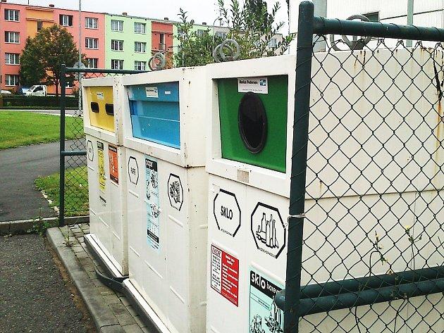 Kontejnery na tříděný odpad v Lounech