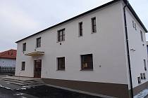 Nově zrekonstruovaný kulturní dům v Ročově.