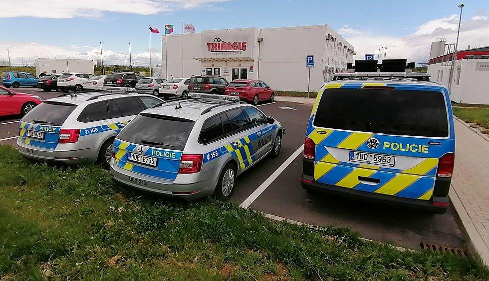 Vozový park dálniční policie u D7 se postupně rozroste. Dorazí silné motocykly BMW nebo rychlé škody superb.