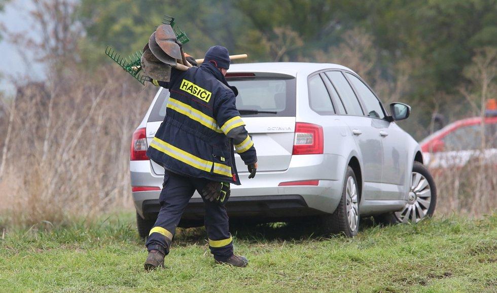 Policejní tým Tempus pátrá opět u Slavětína po těle zmizelé Jany Paurové.