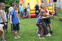 V parčíku u kostela, kde se letos v Radíčevsi konal dětský den, bude obnoveno hřiště.