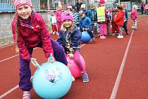 Sportovní dopoledne pro děti na stadionu Mládí v Žatci