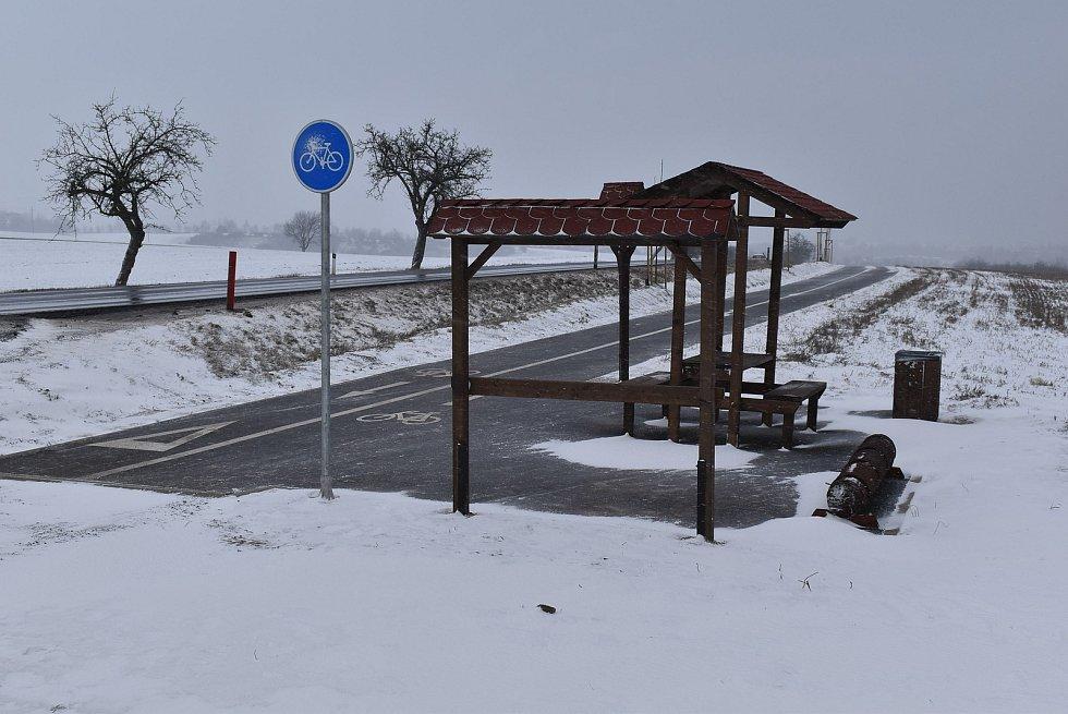 Mezi Vroutkem a Podbořany vyrostla nová cyklostezka.