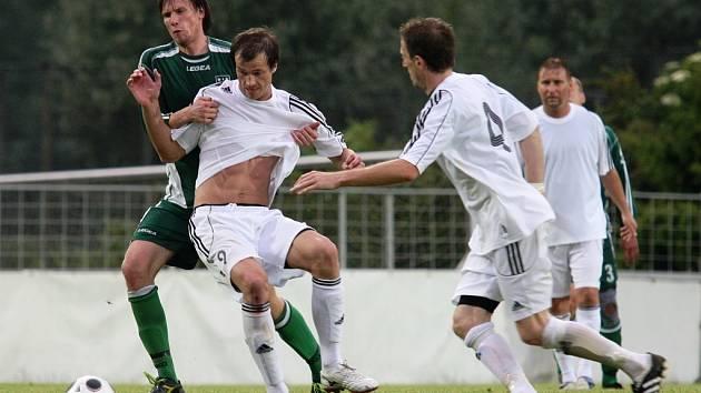 Poslední divizní zápas Blšan (v bílém) s Novým Borem