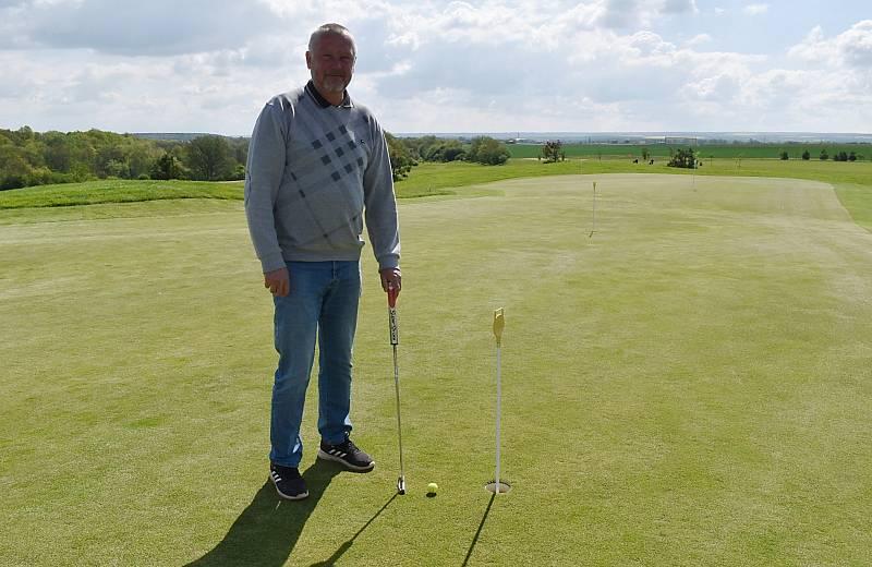 Prezident klubu a spolumajitel golfového hřiště u Bitozevsi Ivan Kolár