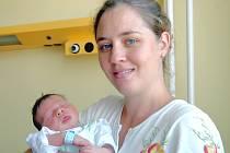 Maminka Kateřina Tokarská z Loun měla velkou radost ze synka Petra. Narodil se 30. července v Ústí nad Labem s údaji 50 cm a 3,6 kg.