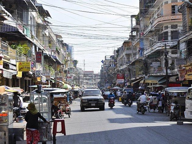 Kambodža, hlavní město Phnompenh.