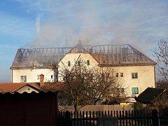 Požár bytového domu v Blatně