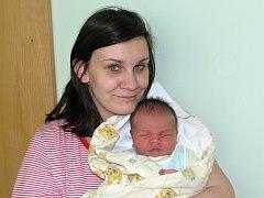 Rodičům Nikole Mlejnkové a Janu Vavřinovi z Loun se 3. března 2015 ve 4.23 hodin narodil synek  Oldřich Vavřina. Vážil 4105 gramů a měřil 51 centimetrů.