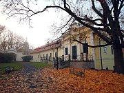 Jediné přístupné křídlo peruckého zámku, v němž je pamětní síň Emila Filly.