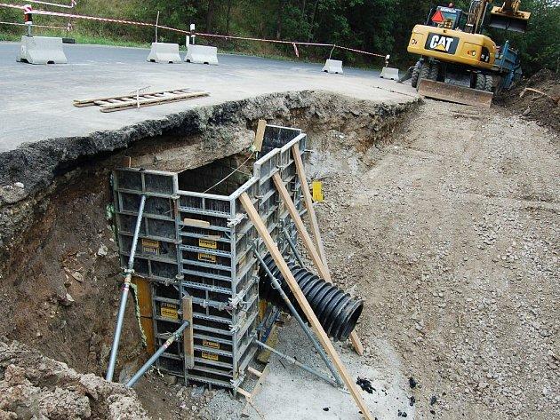 Rekonstrukce propustku u Trnovan