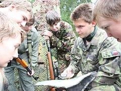 Army tábor pro děti, který se letos konal v Čichořicích u Lubence.